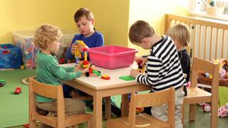 beitragsfreier kindergarten f rderung f r eltern. Black Bedroom Furniture Sets. Home Design Ideas