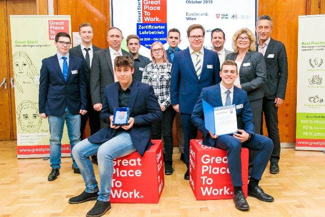 Übergabe Zertifikat: Great Place to Work ®