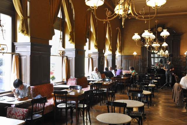 History Of Viennese Coffee House Culture
