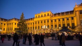 Weihnachtsmarkt Schloss Schönbrunn (c) FOTOFALLY