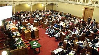 SchülerInnen im Gemeinderatssitzungssaal