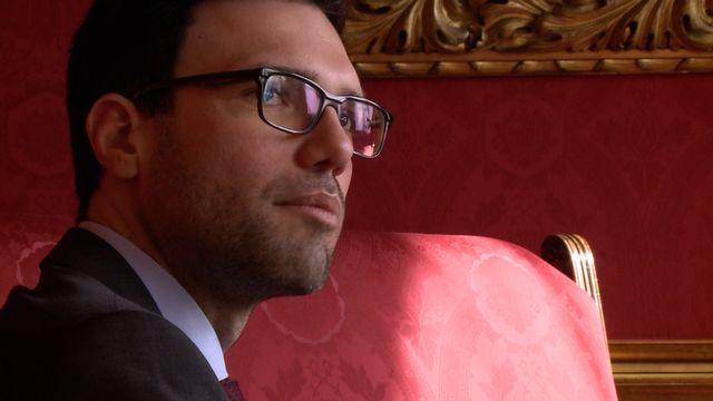Dekretüberreichung: Heinrich Himmer ist neuer Stadtschulratspräsident