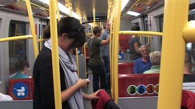 Nacht-U-Bahn auf Schiene