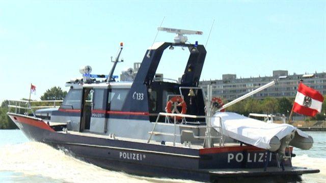 Neuer Polizeiflitzer  auf der Donau