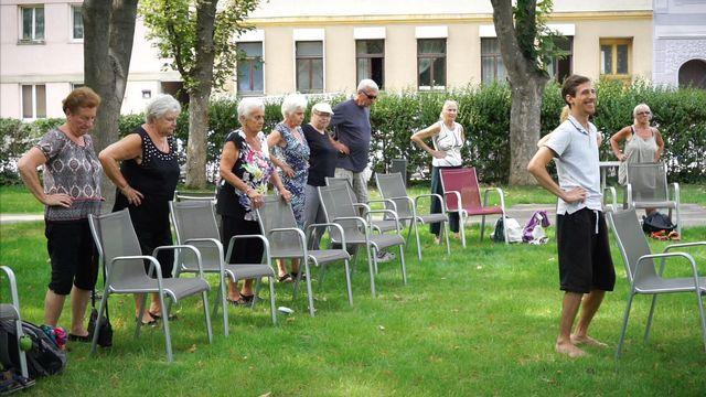 Yoga in den den Pensionistenwohnhäusern der Stadt Wien