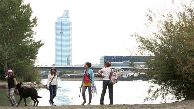 Zu Fuß unterwegs auf der Donauinsel